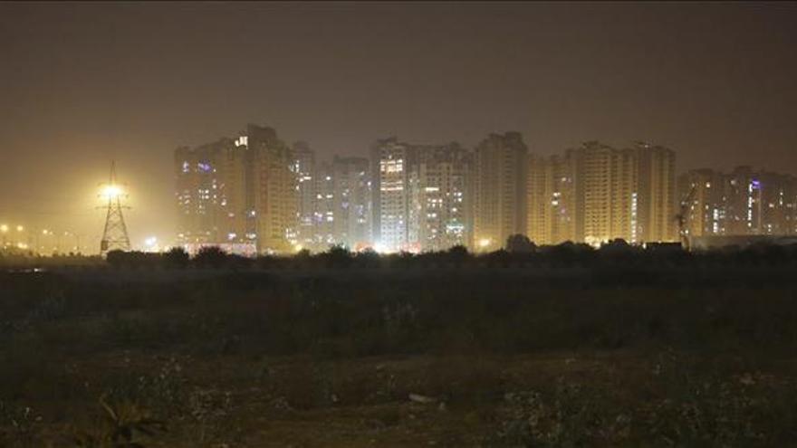 Delhi exime a las mujeres de restricciones en el uso de coches por polución