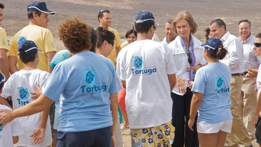 La reina consorte de España, en una visita a Cofete en 2009