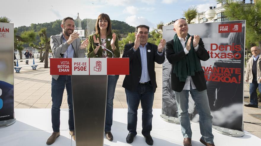 Idoia Mendia, en el cierre de campaña en Donostia, junto a Gasco, Itxaso y Elorza.