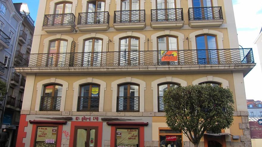 La compraventa de viviendas aumenta un 21,2% en Cantabria en mayo, menos que la media