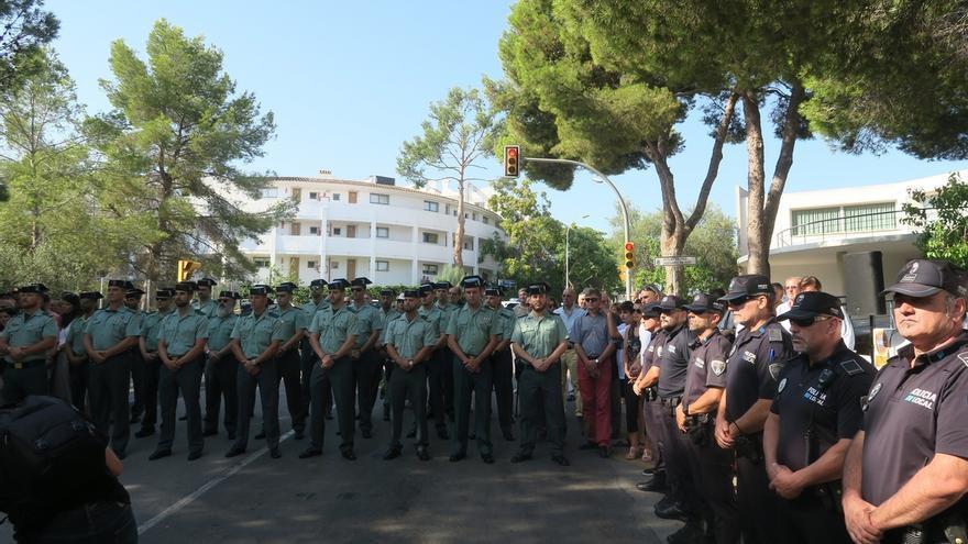 Calvià (Mallorca) rinde homenaje a los dos guardias civiles fallecidos hace nueve años en un atentado de ETA