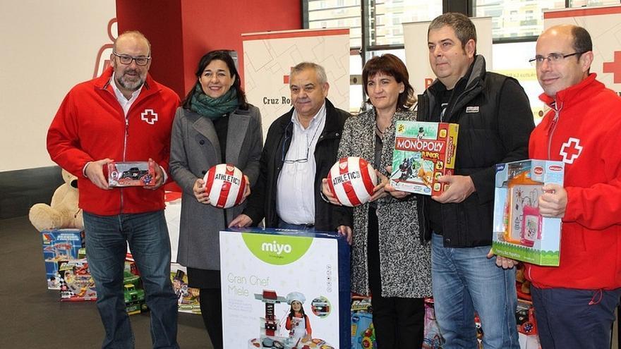 Cruz Roja Bizkaia se fija como reto recoger 5.000 juguetes nuevos para niños en situación de vulnerabilidad
