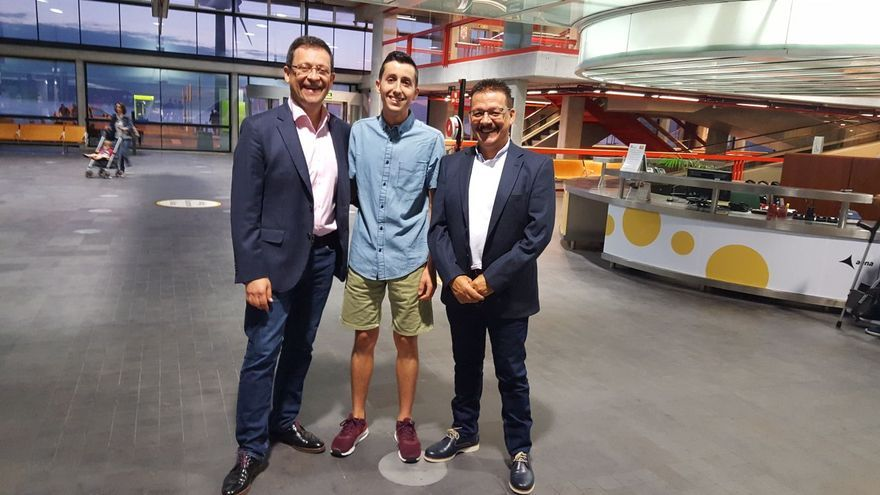Formacion Profesional Cocina | El Alumno Palmero Ricardo Castaneda Parte Hacia Abu Dhabi Al