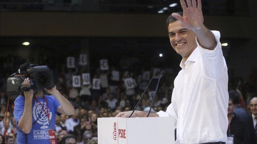 Sánchez: Mientras en el PP dimiten o se avergüenzan, nosotros abrimos el PSOE