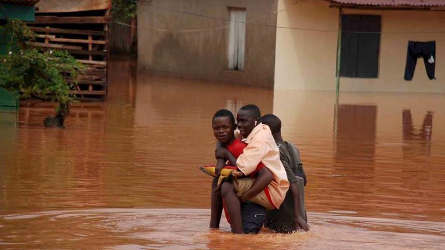 Mueren 14 personas por inundaciones en el oeste de Uganda