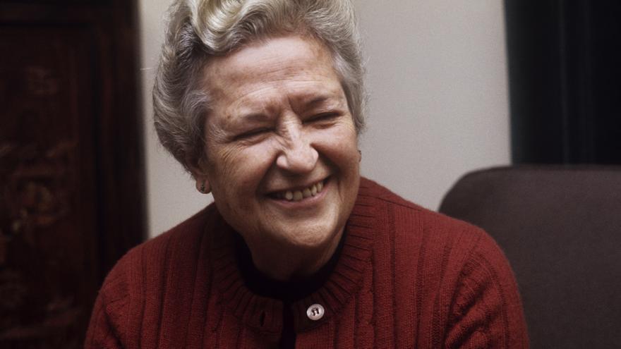 Carmen Conde, primera académica de la lengua y también presente en Cien de Cien