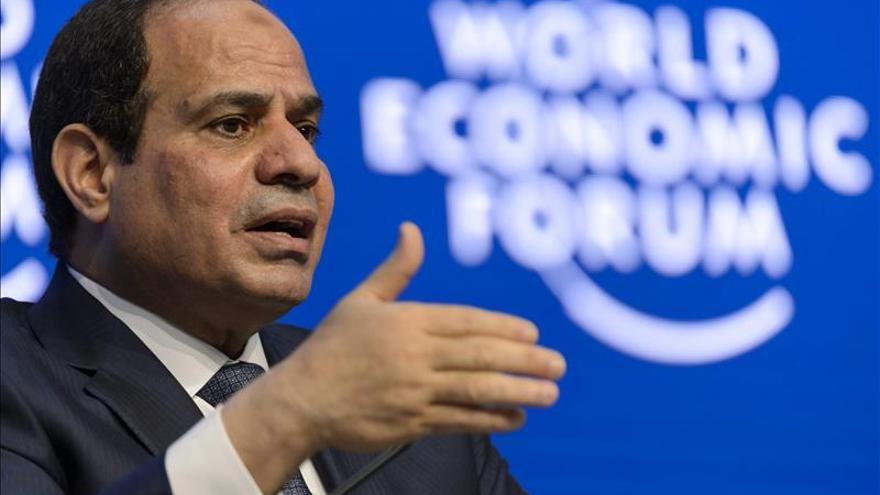 """Al Sisi defiende sus bombardeos en Libia como """"exactos y bien documentados"""""""