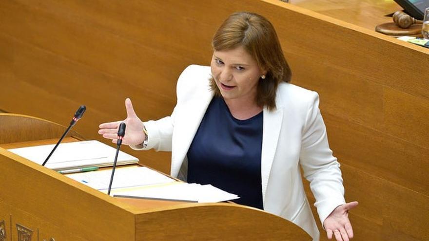 La líder de los populares valencianos, Isabel Bonig, interviene en el debate de política general en las Corts