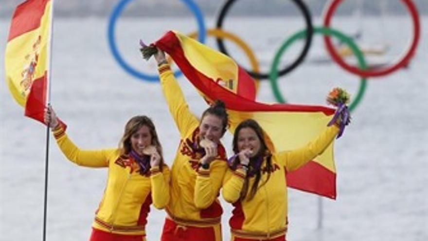 Las chicas de Elliot 6m, un ejemplo de superación hasta conseguir la medalla de oro. (Europa Press)