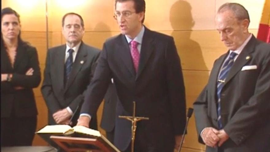 Feijóo toma posesión como conselleiro ante Fraga el 20 de enero de 2003