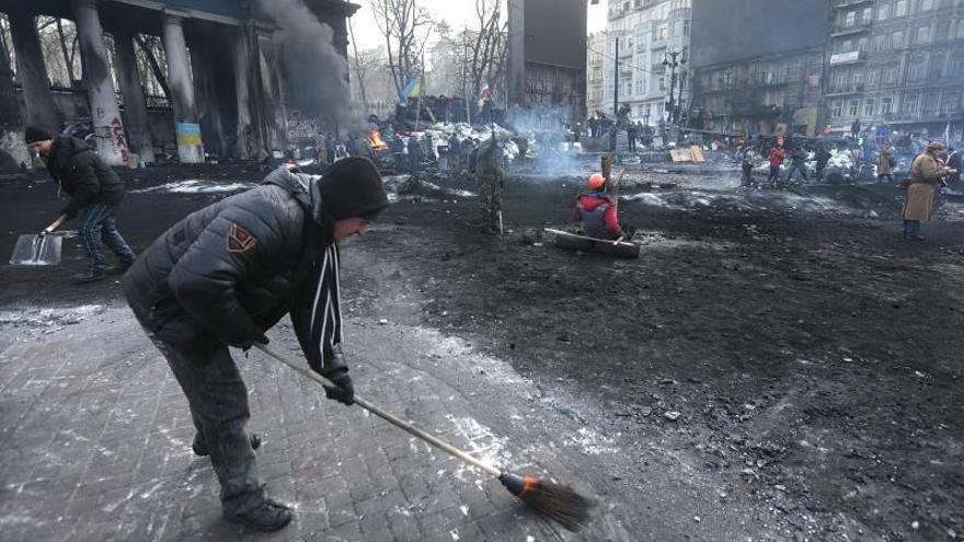 El Parlamento de Ucrania se reúne en sesión extraordinaria para resolver la crisis