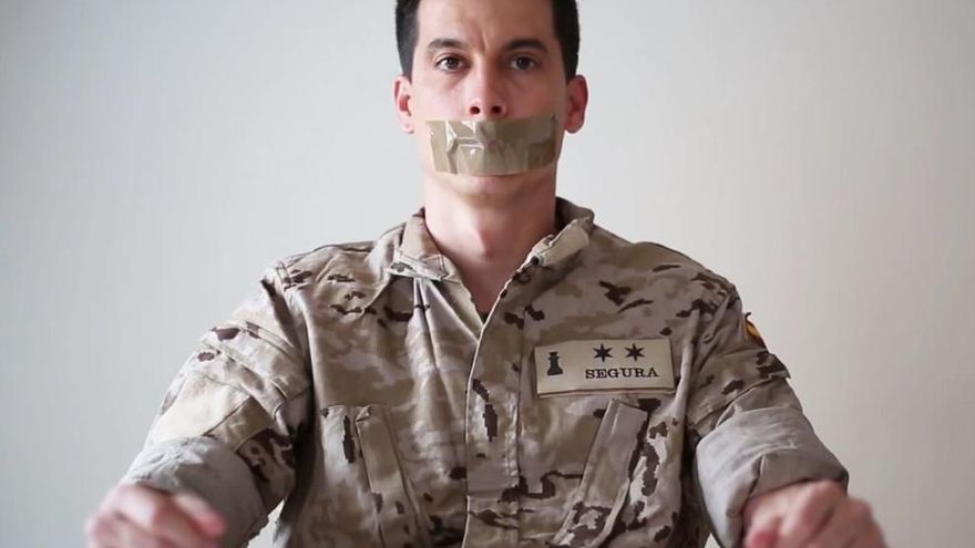Exteniente del Ejército de Tierra Luis Gonzalo Segura, expulsado por denunciar la corrupción de su cúpula