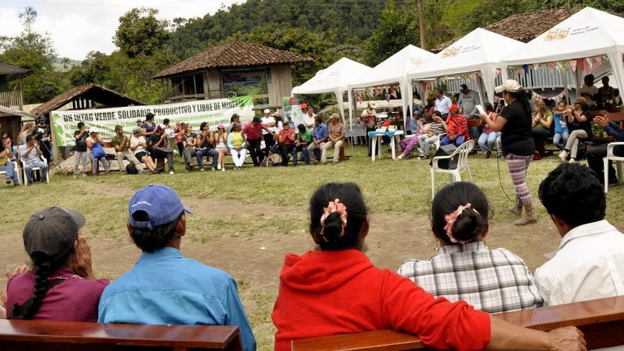 Foro antiminero celebrado en la comunidad de Junín durante el festival 'Alternativas vivas'. / Esteffany Bravo.