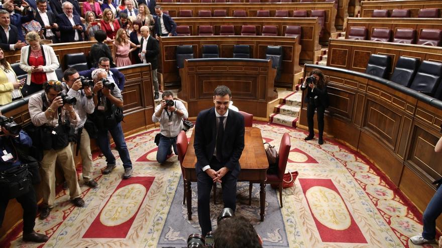 Pedro Sánchez ha hablado con el Rey y tomará este sábado posesión de su cargo como presidente del Gobierno