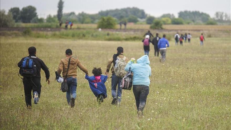 Serbia y Macedonia exigen más ayudas para paliar la crisis de los refugiados