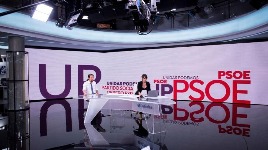 El líder de Unidas Podemos, Pablo Iglesias, momentos antes de la entrevista esta noche en Antena 3 Noticias en la que explicará en qué consiste la propuesta enviada al PSOE para negociar un Gobierno de coalición.