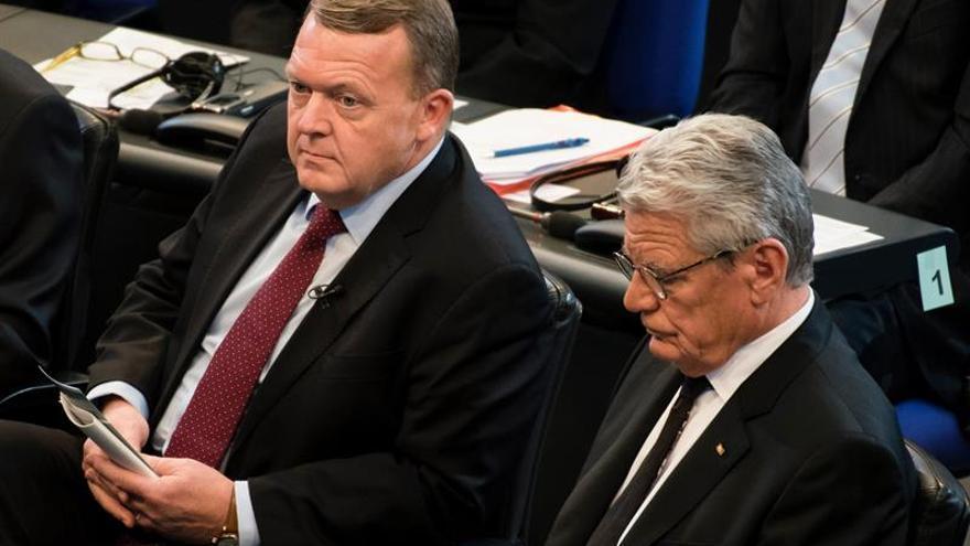 Los líderes de la gran coalición de Merkel abordan la sucesión del presidente Gauck