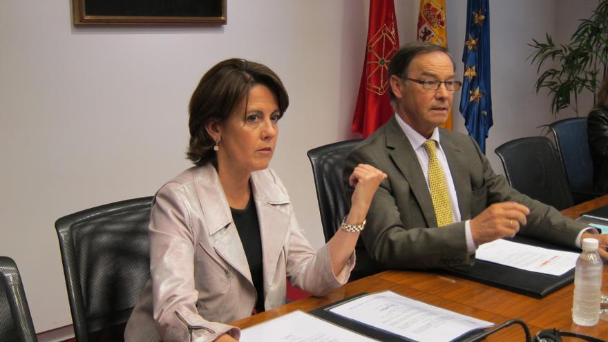 """Barcina defiende el diálogo social en tiempos difíciles y llama a los grupos políticos a """"remar en la misma dirección"""""""