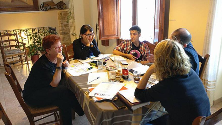 Los concejales de Compromís y JuGa reunidos en la casa rural