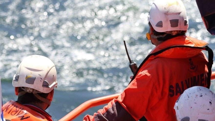 Salvamento Marítimo rescata a 23 personas de dos pateras en aguas de Alborán y El Estrecho