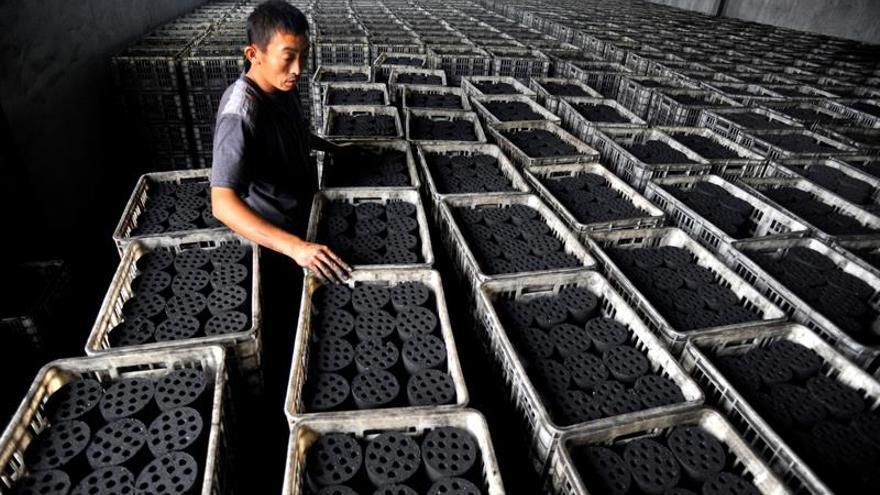 La industria del carbón está privando a los humanos de agua, dice Greenpeace
