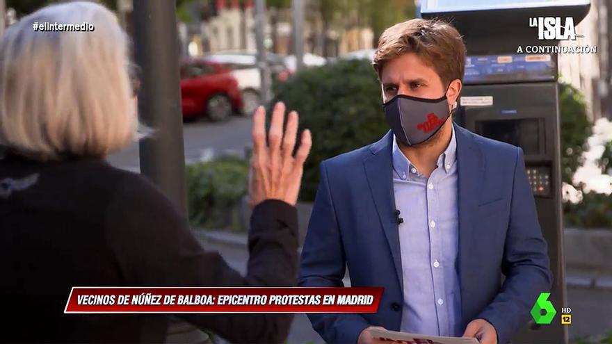 """'El Intermedio' testó los ánimos de los vecinos de Núñez de Balboa con el Gobierno: """"Franco trajo la democracia"""""""