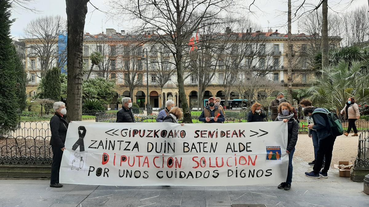 Gipuzkoako Senideak se manifiestan en Donostia