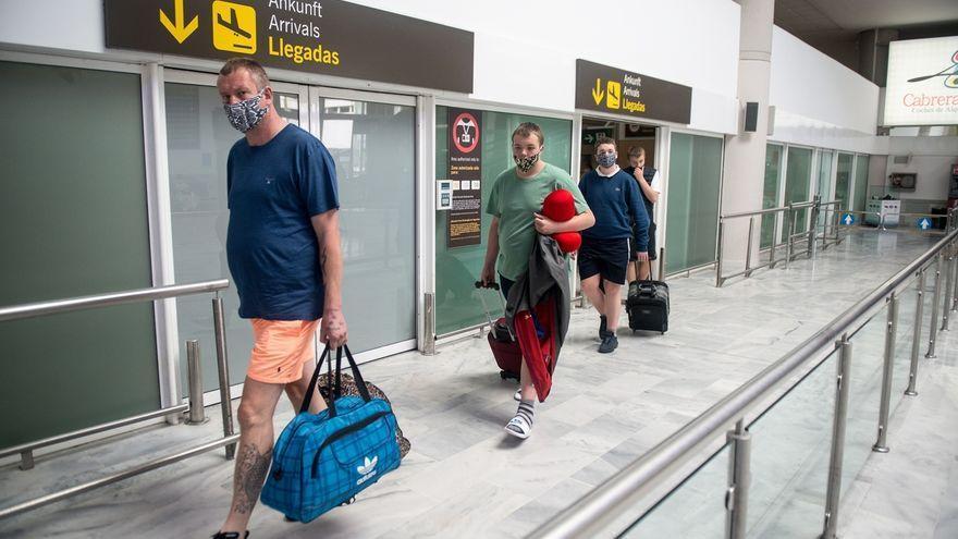 Los empresarios hoteleros de Las Palmas exigen libertad de tránsito de viajeros entre los países de la Unión Europea