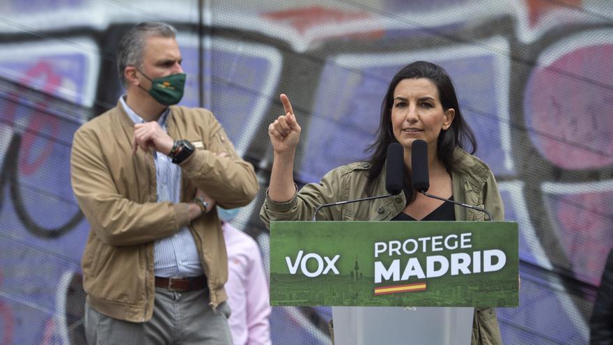 La candidata de Vox a la Presidencia de la Comunidad de Madrid, Rocío Monasterio, y el secretario general del partido, Javier Ortega Smith, durante un mitin.
