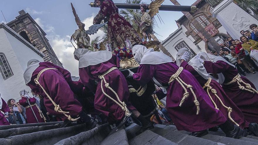 Fotografía del Cristo Nazareno, ganadora del VII Concurso Insular de Fotografía sobre la Semana Santa FotoCofrade 2016. Autor: José Antonio Fernández Arozena.