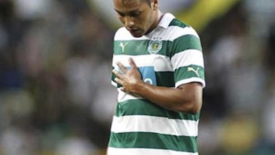 El tinerfeño Jeffren, con la elástica del Sporting de Portugal. (sporting.pt)
