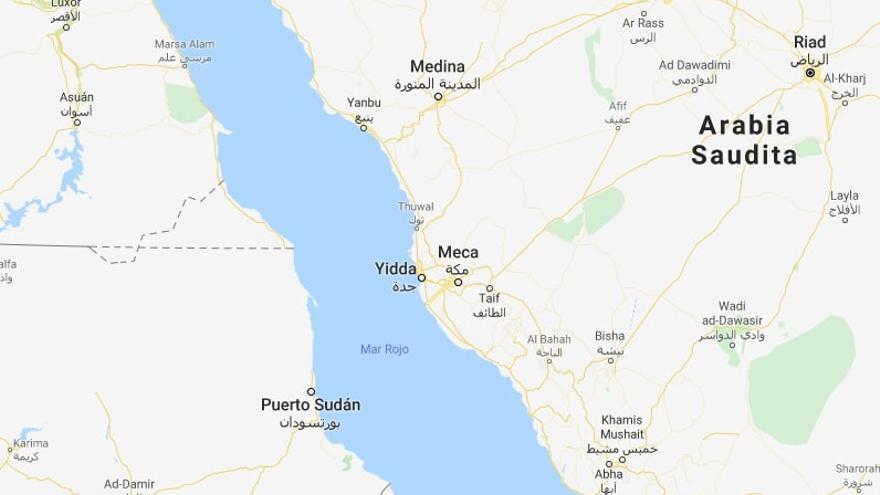 La explosión del petrolero iraní tuvo lugar en la mañana del viernes a unas 60 millas de Yeda