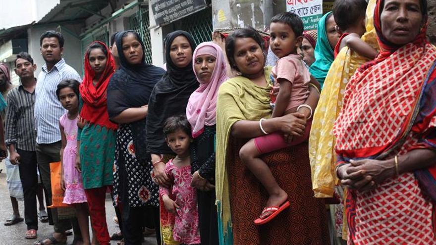 Mueren nueve supuestos yihadistas durante una operación policial en Dacca