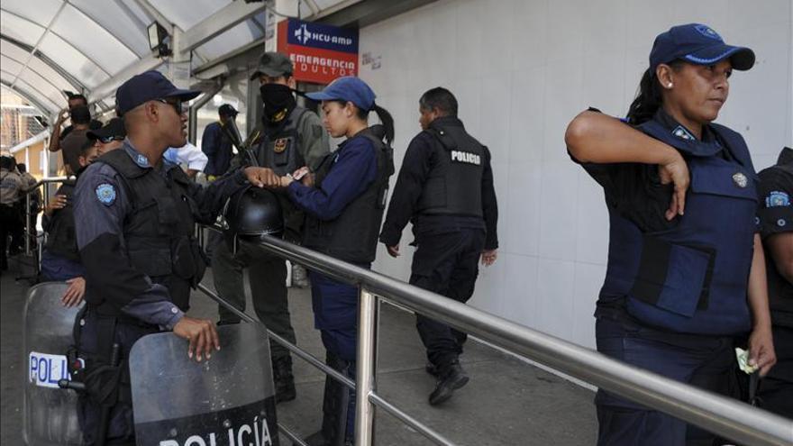 Ministra venezolana no descarta que la oposición instigue la violencia en las cárceles