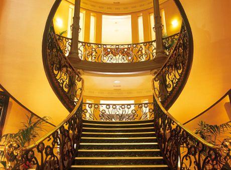 Interior del Palacio de Longoria