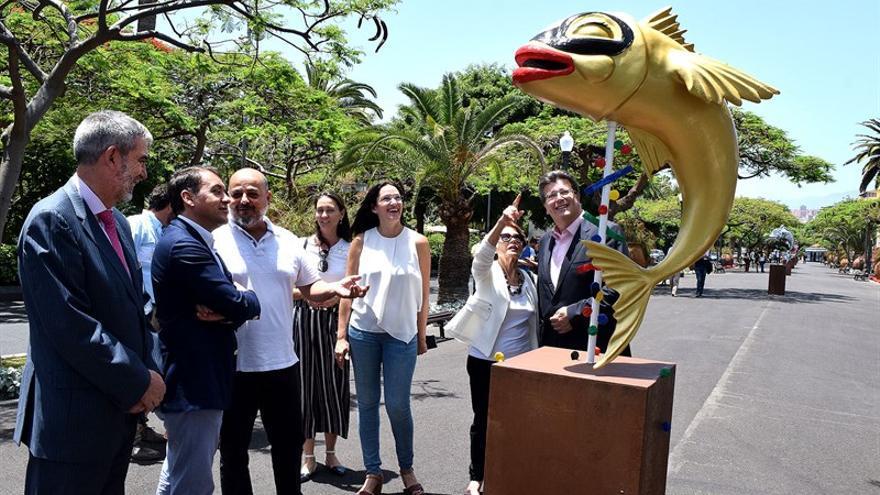 Inauguración de la muestra al aire libre, en un paseo cercano al parque García Sanabria