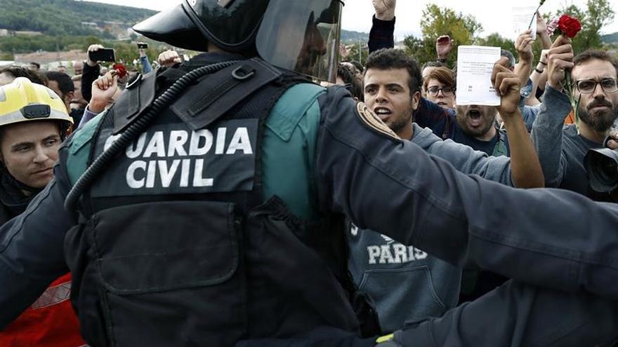 """IU condena la """"brutalidad"""" policial y exige la dimisión de Rajoy"""