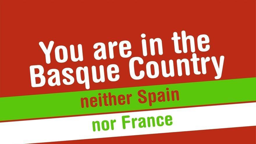 """Las juventudes de EA colocarán carteles y pegatinas para """"recordar a los turistas que están en Euskal Herria"""""""