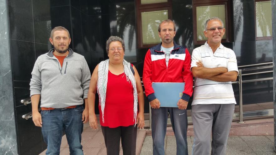 Nieves Luz Rodríguez este lunes en la concentración. Foto: LUZ RODRÍGUEZ