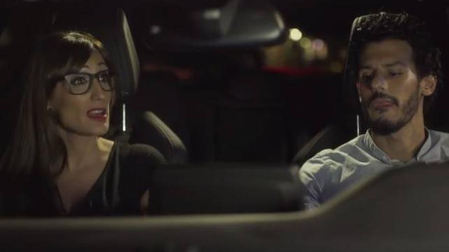 El falso concursante de GH VIP, en 'El Club' junto a Morgade en coche