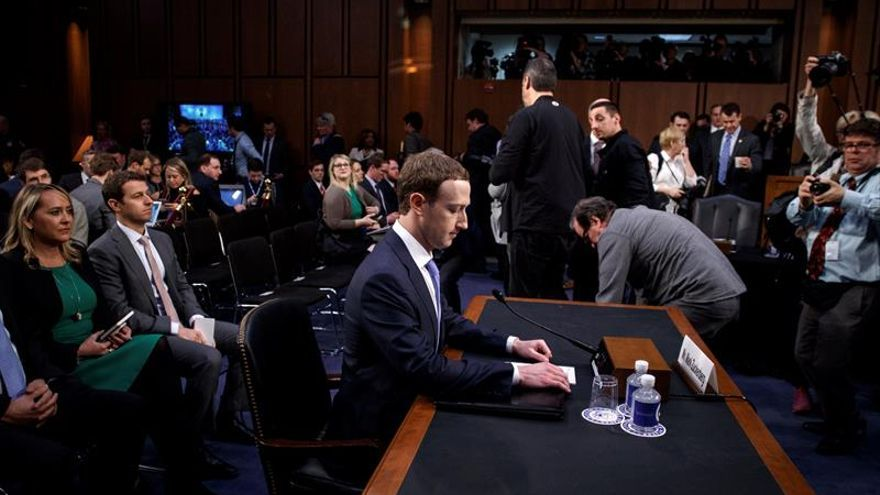 Zuckerberg se expone al interrogatorio del Senado y asume su responsabilidad