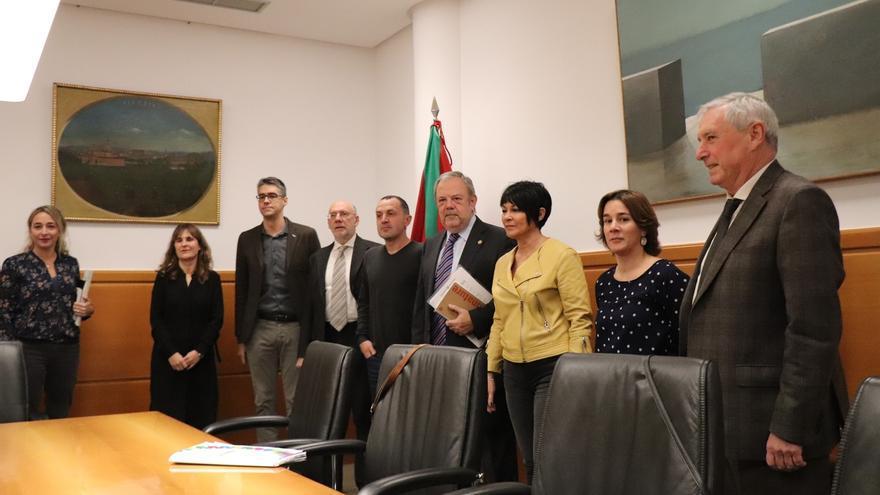 """Gobierno Vasco y EH Bildu continúan negociando los Presupuestos buscando """"puntos de encuentro"""" sobre los pensionistas"""