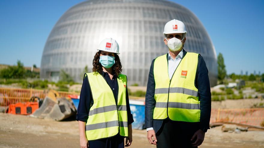 Ayuso y Ruiz Escudero visitan las obras del nuevo Hospital de Emergencias en Valdebebas