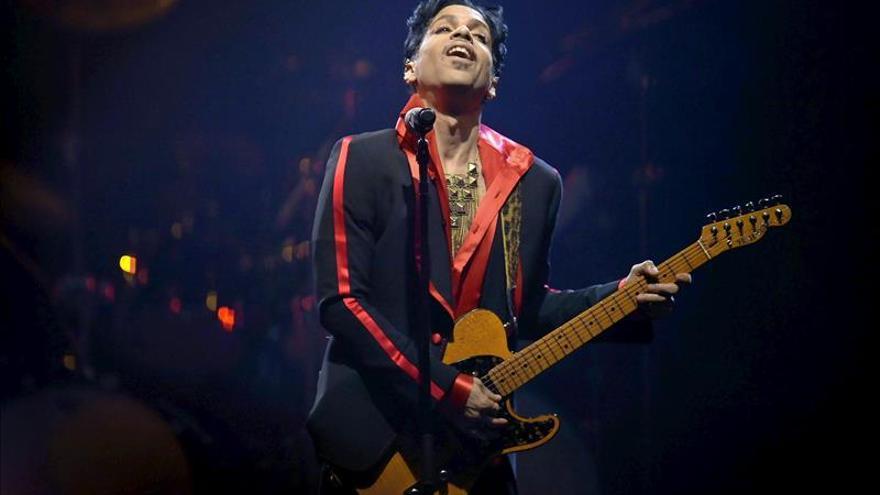 Prince pospone su gira europea por los atentados de París