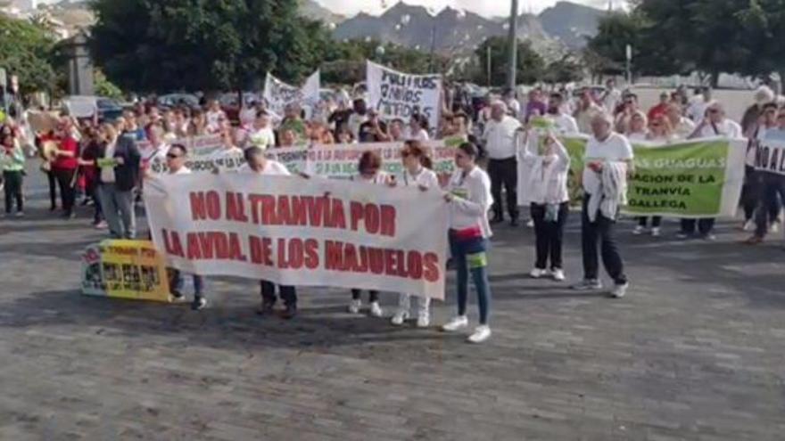 Protesta reciente en la plaza de España contra el tramo de tranvía por Los Majuelos