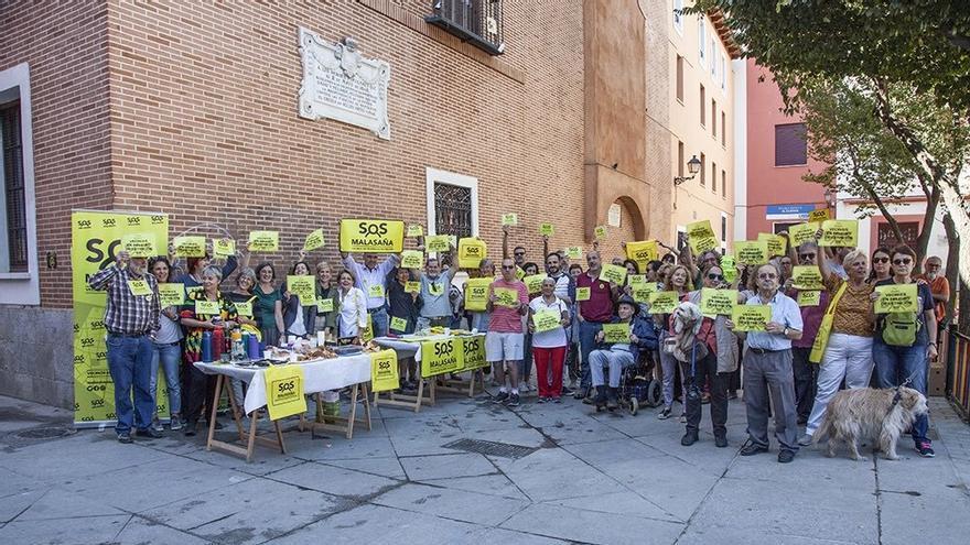 Miembros de SOS Malasaña, en el desayuno del primer aniversario
