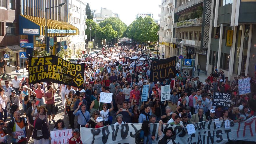 Multitudinaria manifestación en Lisboa / Eduardo González