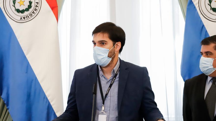 Autoridades investigarán la vacunación irregular de dos políticos paraguayos
