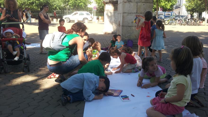 La Alameda de Hércules, escenario de una asamblea infantil pre manifestación