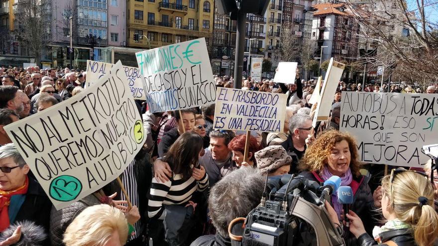 Concentración en Santander contra el Metro-TUS
